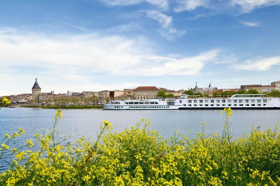 8 Days Bordeaux, Vineyards and Chateaux - Uniworld Cruises